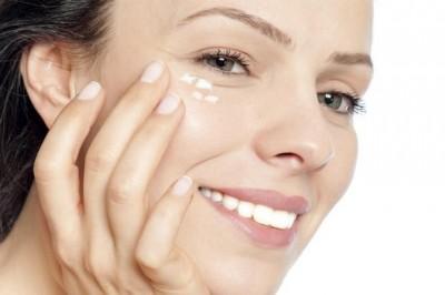 cách chăm sóc da vùng mắt 2