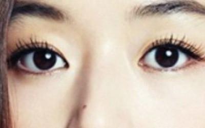 Sở hữu đôi mắt 2 mí to tròn, sắc nét là mong muốn của nhiều chị em