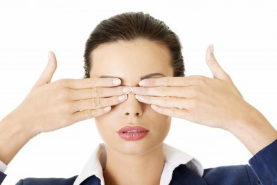 massage mắt 3