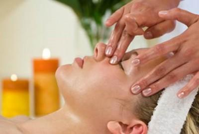 Tuyệt chiêu massage giảm mỡ mí mắt 2