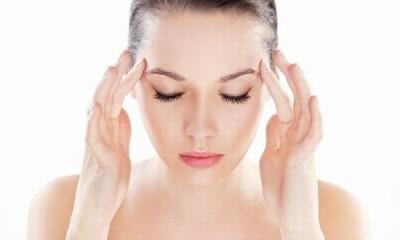 Tuyệt chiêu massage giảm mỡ mí mắt