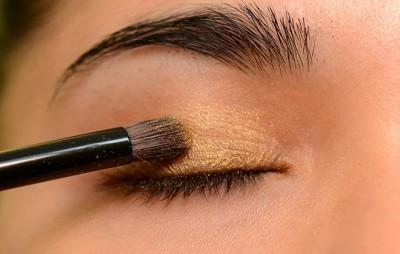 Cách trang điểm giúp mắt to hơn (2)