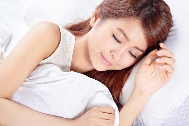 Ngủ đủ giấc giúp mắt nhanh hồi phục