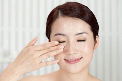 Nháy mắt trái liên tục là bị làm sao